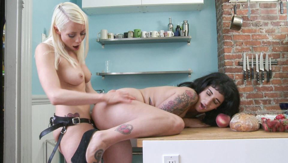 Lesbian Sex Education - Strap On, Scene #04 - Girlfriends Films