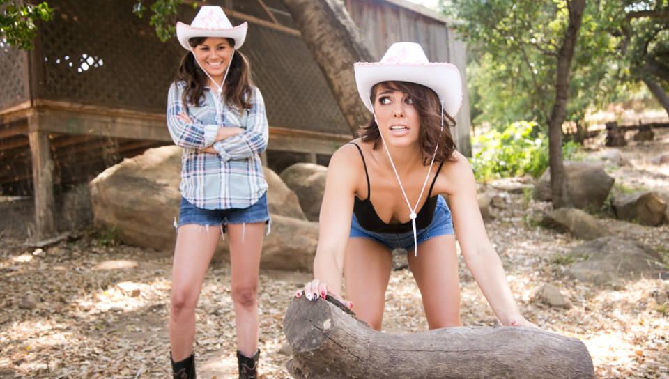 Cowgirls - Girlsway