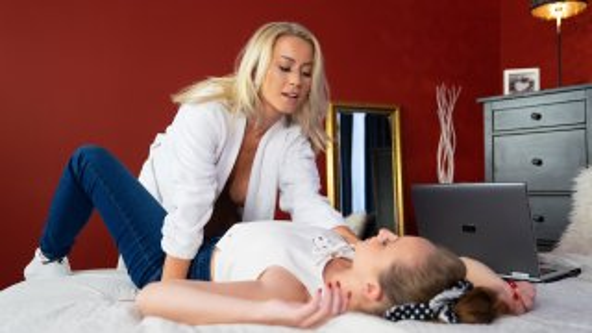 Unfulfilled wife has lesbian affair - Lesbea