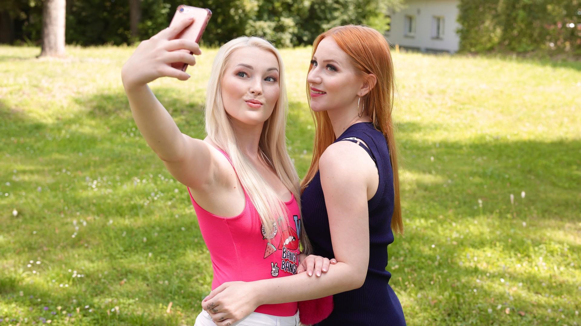 Blonde and redhead lesbians fuck - Lesbea
